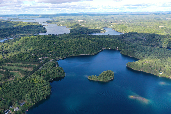 Vue aérienne nordd du lac