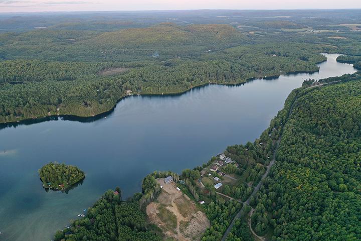 Vue aérienne sud du lac